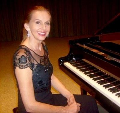 Loraine Maria
